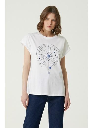 NetWork 1079953 Kadın Basic Fit Baskılı T-shirt Ekru